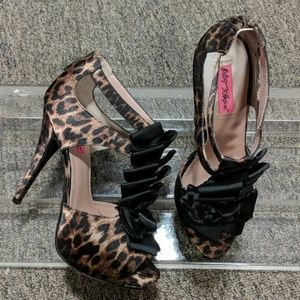 Betsey Johnson Embellished Heels Size 8.5